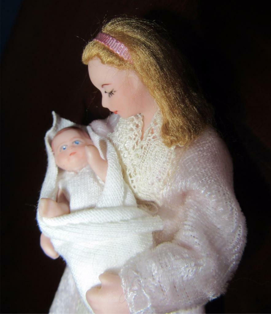 MINIATURE DOLLHOUSE BABY-ARTISAN 1:12 SCALE PORCELAIN SLEEPING MOTHER BABY-ARTISAN DOLLHOUSE PIECE-CD4 64b62f