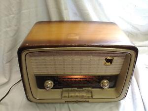 Super Röhrenradio Kompakt Klein compact valve radio Loewe Opta Bella WU-11