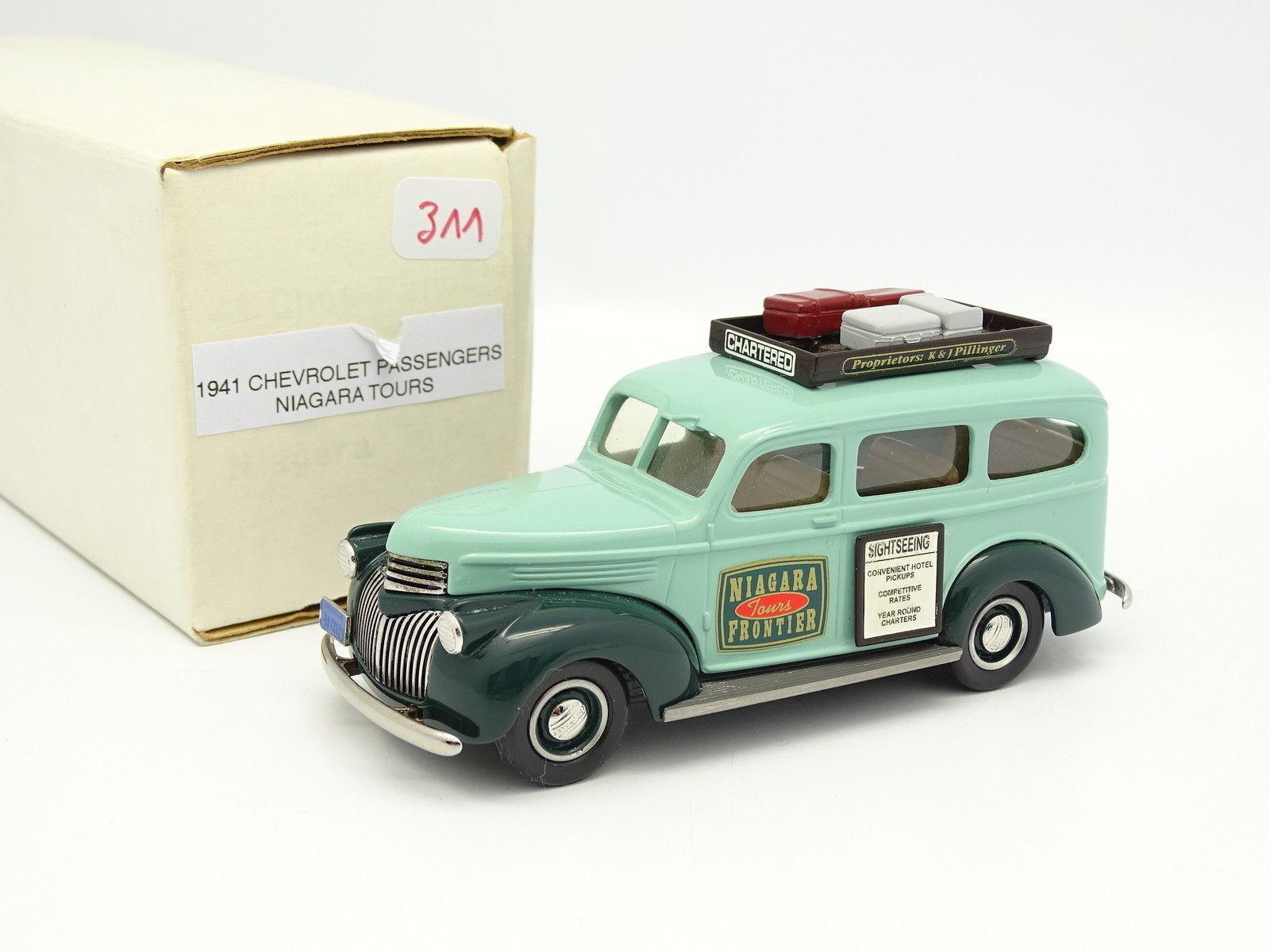 Durham Classics 1/43 - Chevrolet Passengers Niagara Tours 1941