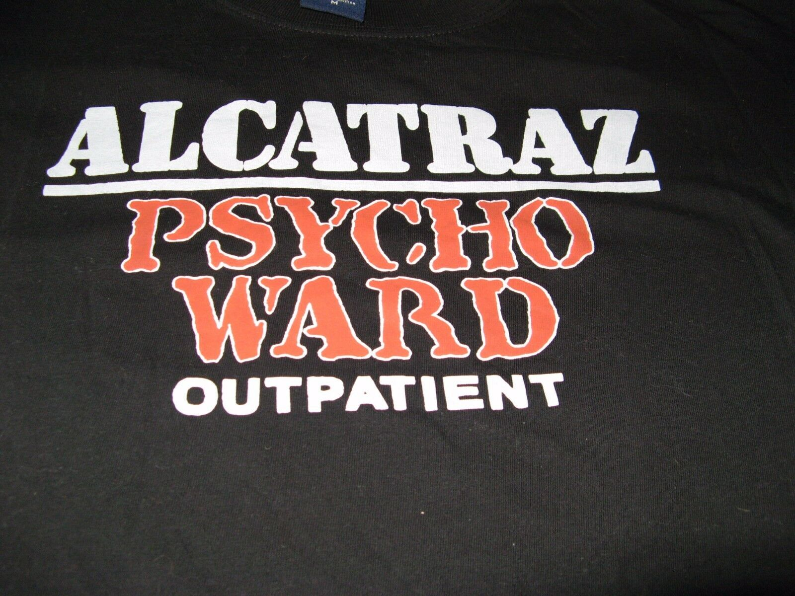ALCATRAZ PSYCHO WARD OUTPATIENT VINTAGE TEE SHIRT MEDIUM