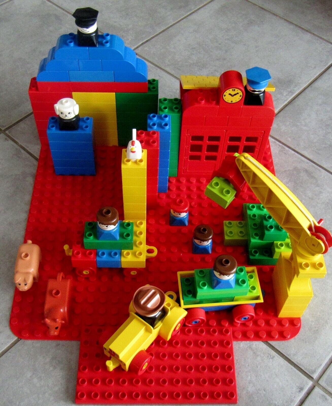 SCHÖNES SET  Lego DUPLO  98 Teile  80 Steine, 8 Figuren, 2 x  Bauplatte