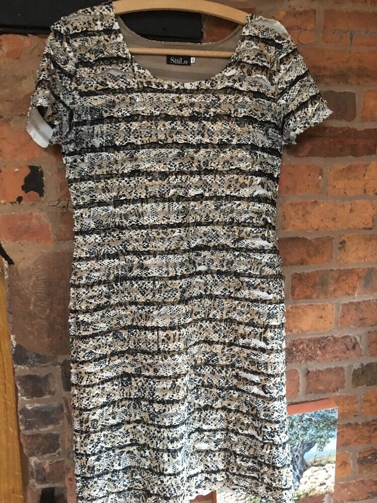 SttiiLo Stretch Body Con Dress Size 14 Excellent Condition