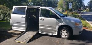 Dodge grand caravan adaptée pour chaise roulante 2010