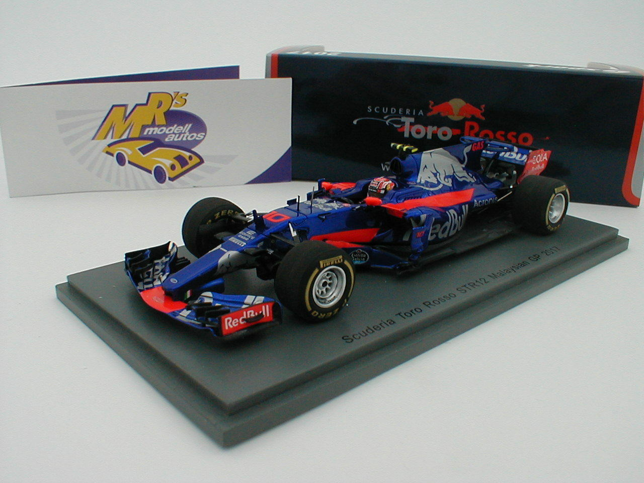 Spark S5051 - Scuderia Tgold red STR12 Malaysia GP 2017 2017 2017   Pierre Gasly   1 43 6569d2