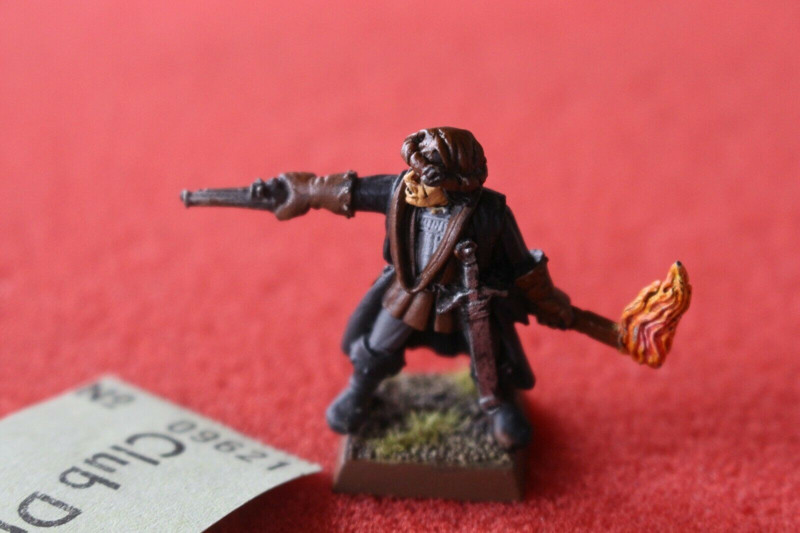 Games Workshop Mordheim Mordheim Witch Hunter Warhammer Figura De Metal Pintada D4