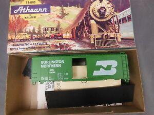 HO-SCALE-ATHEARN-40-039-BOX-CAR-KIT-BURLINGTON-NORTHERN-189784