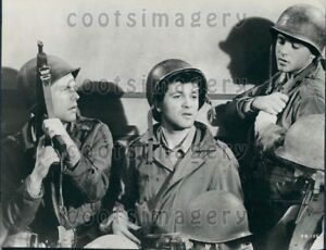 Details about 1963 Wire Photo Singers Tommy Sands Fabian Actor Robert  Wagner The Longest Day