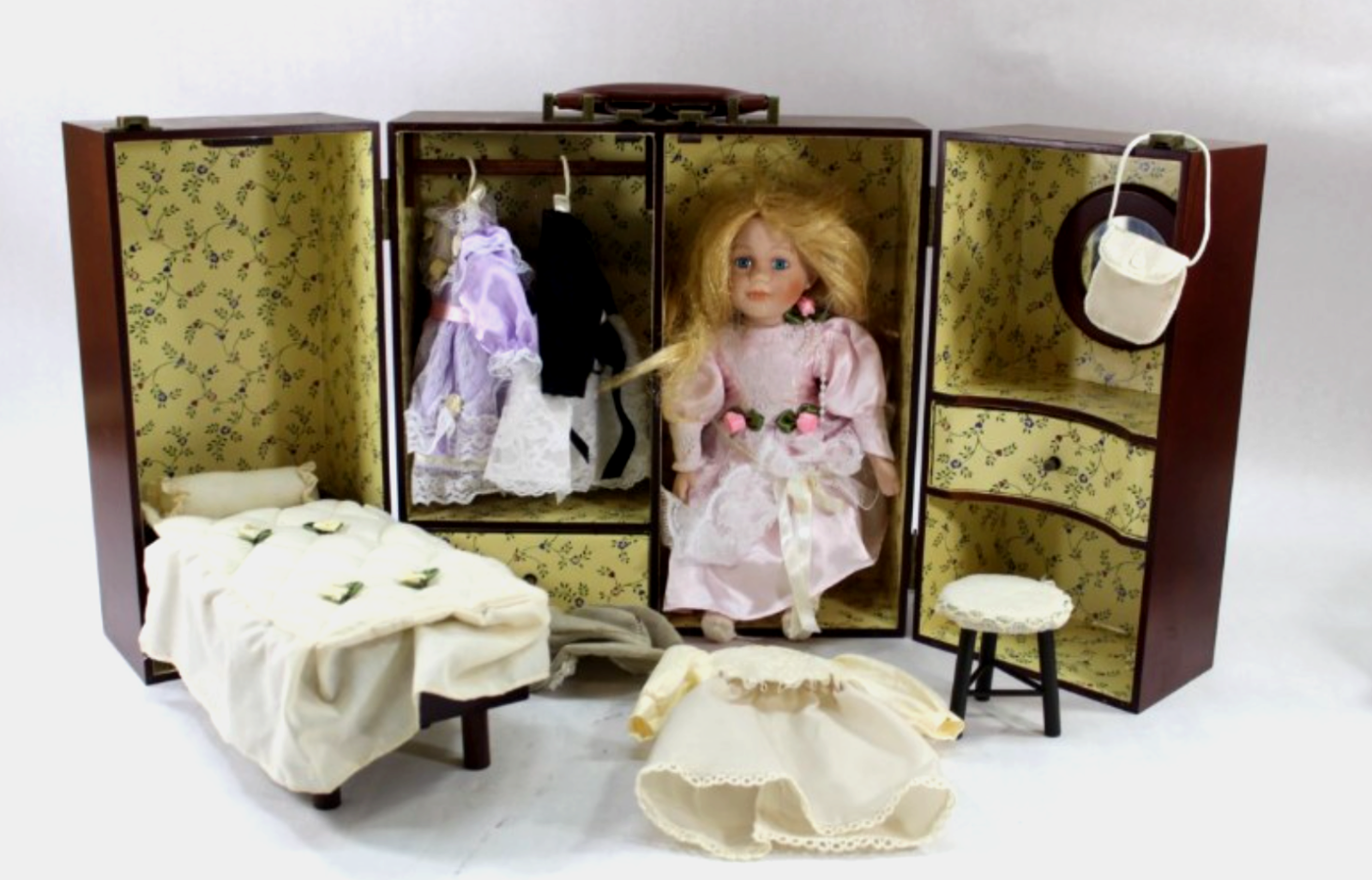11.5  Porcelain Doll W  Carrying Case Accessories