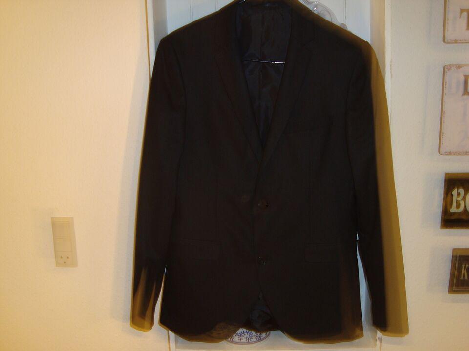 f82a505189f2 S sort jakkesæt