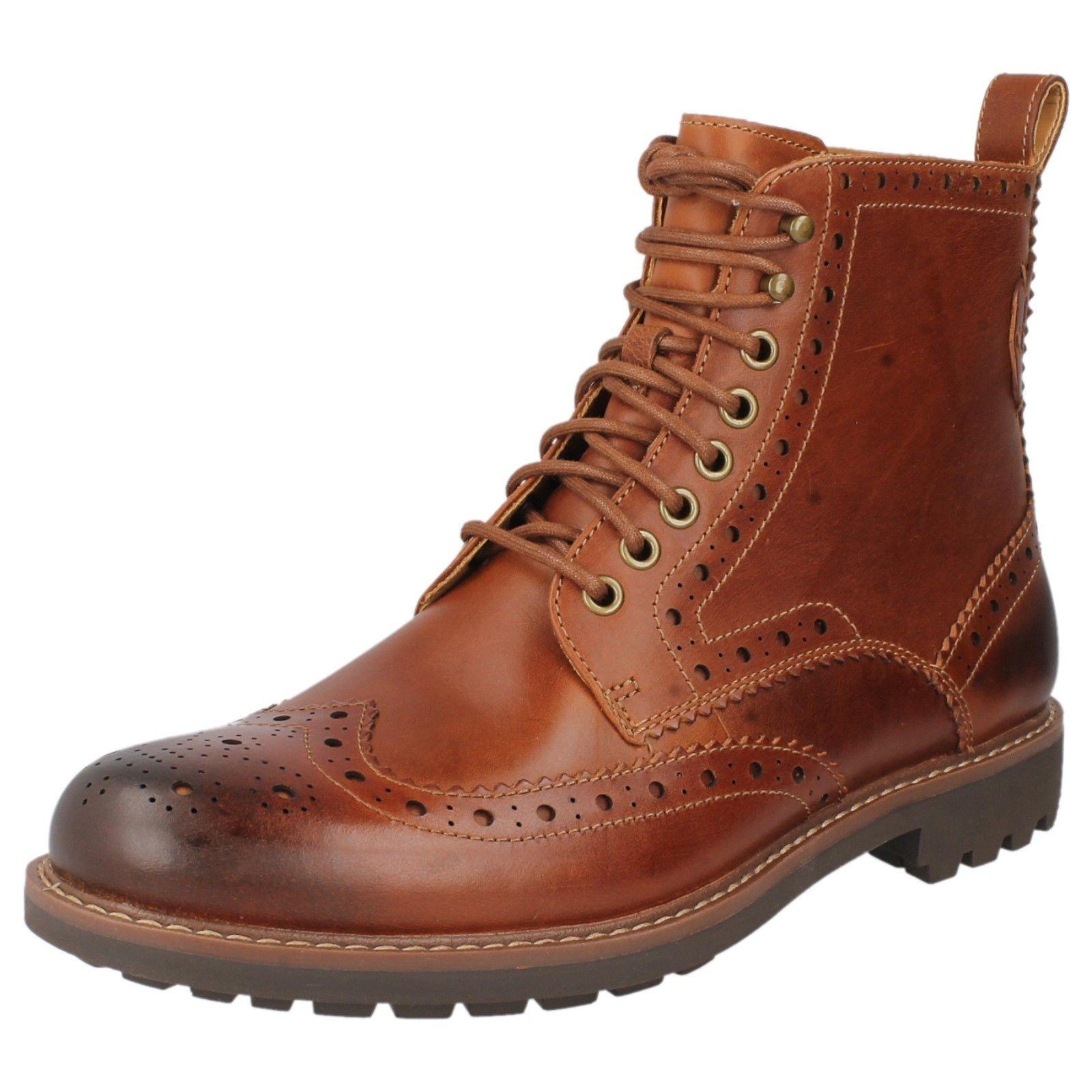 Hombre Clarks Montacute Lord Marrón Oscuro Zapato Calado Piel Acordonar botas