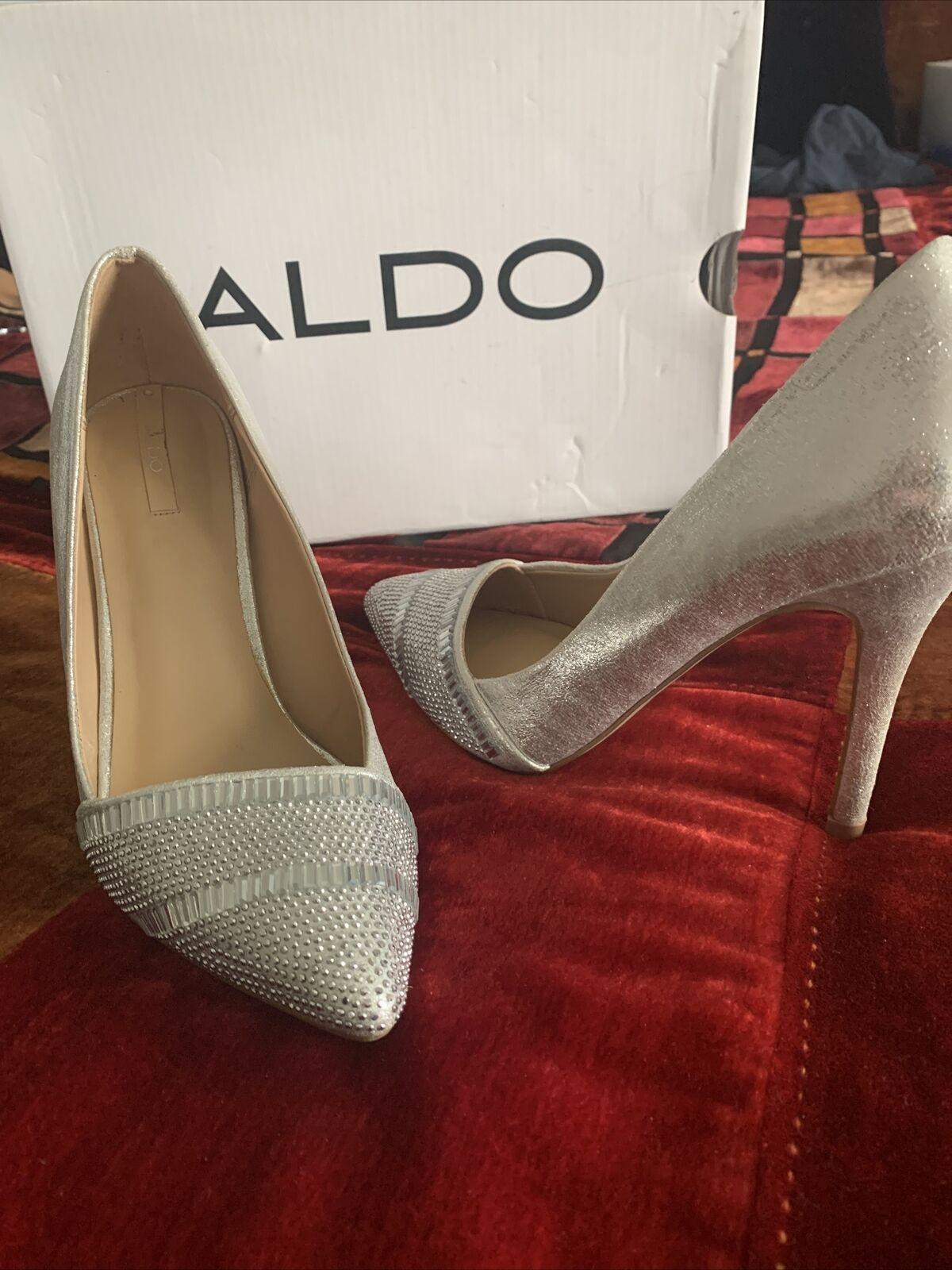 Aldo CAVAZZANA sleek shiny silver pump size 7