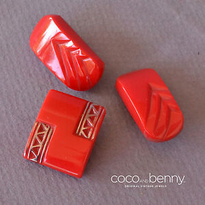 Vintage-3-40-039-s-Red-Glass-Buttons