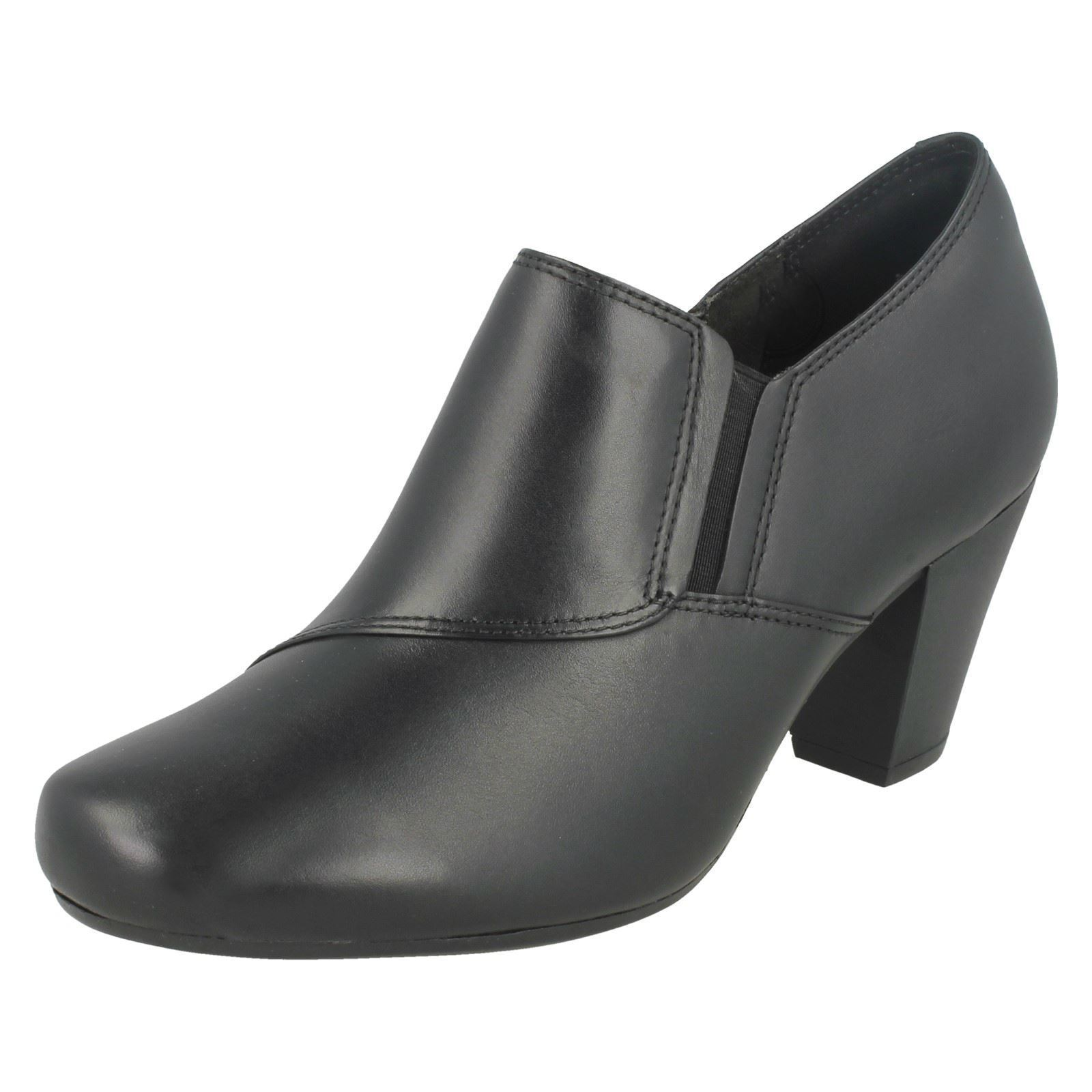 Ladies Clarks Garnit Colette Black Leather Smart shoes Boots D Fitting