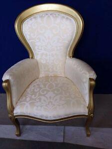 Poltrona laccata colore oro poltroncina camera da letto for Poltrona classica camera da letto