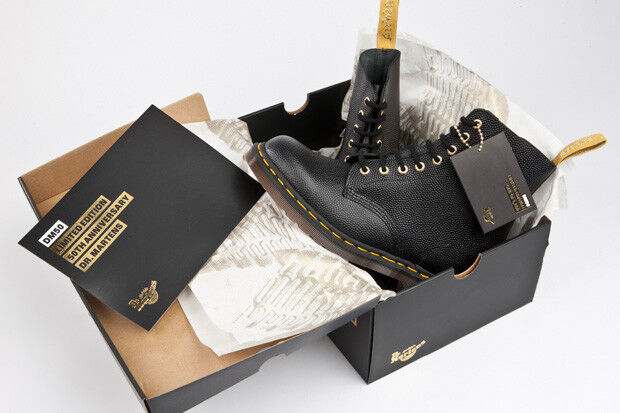 80% di sconto Stivali Dr Martens 50th in pelle nera Pebble Pebble Pebble Anniversary Taglia 8 certificata  prezzo ragionevole