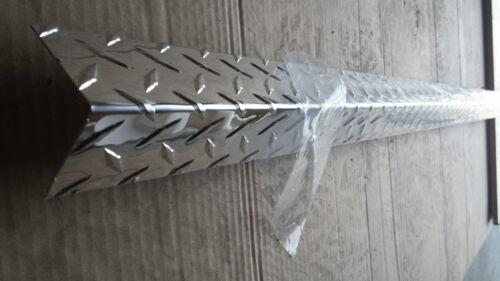 "- BRIGHT FINISH 4FT Aluminum Diamond Plate Corner Guard 2/"" x 2/"" wing 4"