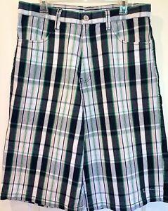 Vintage Men/'s Plaid Bermuda Walking Shorts Size 34 Cotton//Poly Fabric NWT