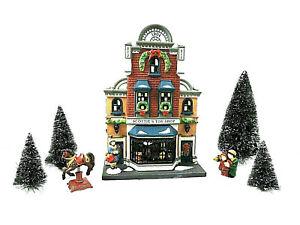 SCOTTIE-039-S-TOY-SHOP-58871-DEPT-56-Christmas-in-the-City-Exclusive-Gift-set-10