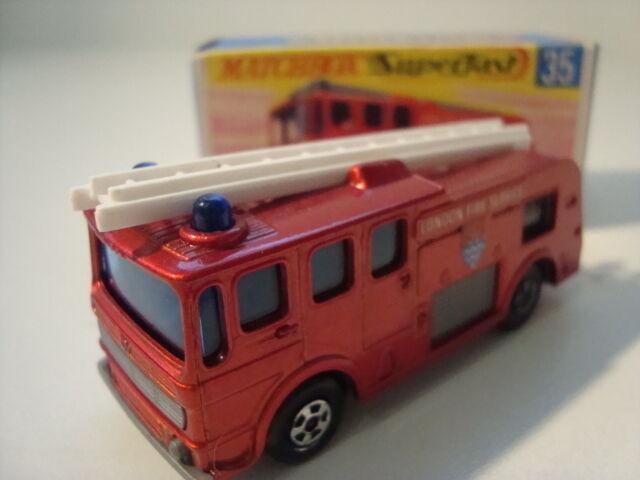 Matchbox Superfast 35 Merryweather Fire Engine  OVP Neuwertig Top Zustand    Passend In Der Farbe
