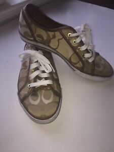 Women's Coach tennis shoes 7.5 B GUC