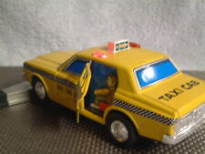 YONEZAWA VINTAGE, TIN, BATTERY OPERATED FULLY/PERFECTLY WORKING TAXI CAB. NICE!!