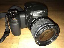 Sony Cyber-Shot DSC-R1 Digitalkamera (10,3 Megapixel) mit Zubehoer