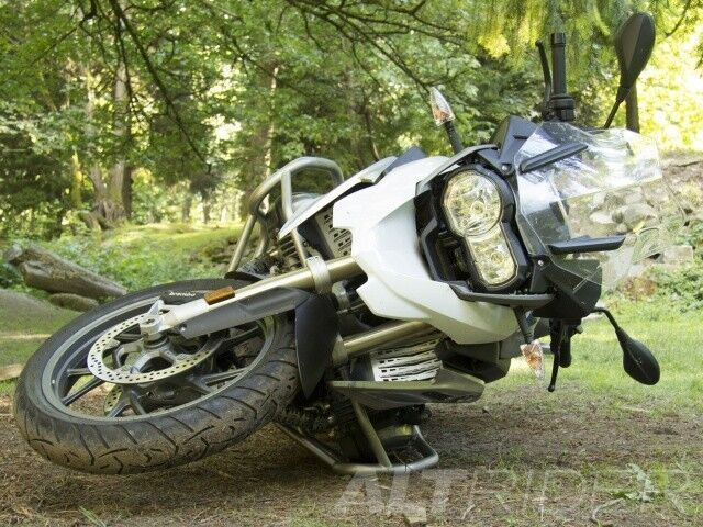 BMW R1200GS LIQUID COOLED PARTS   **BIKE STRIPPING FOR SPARES**