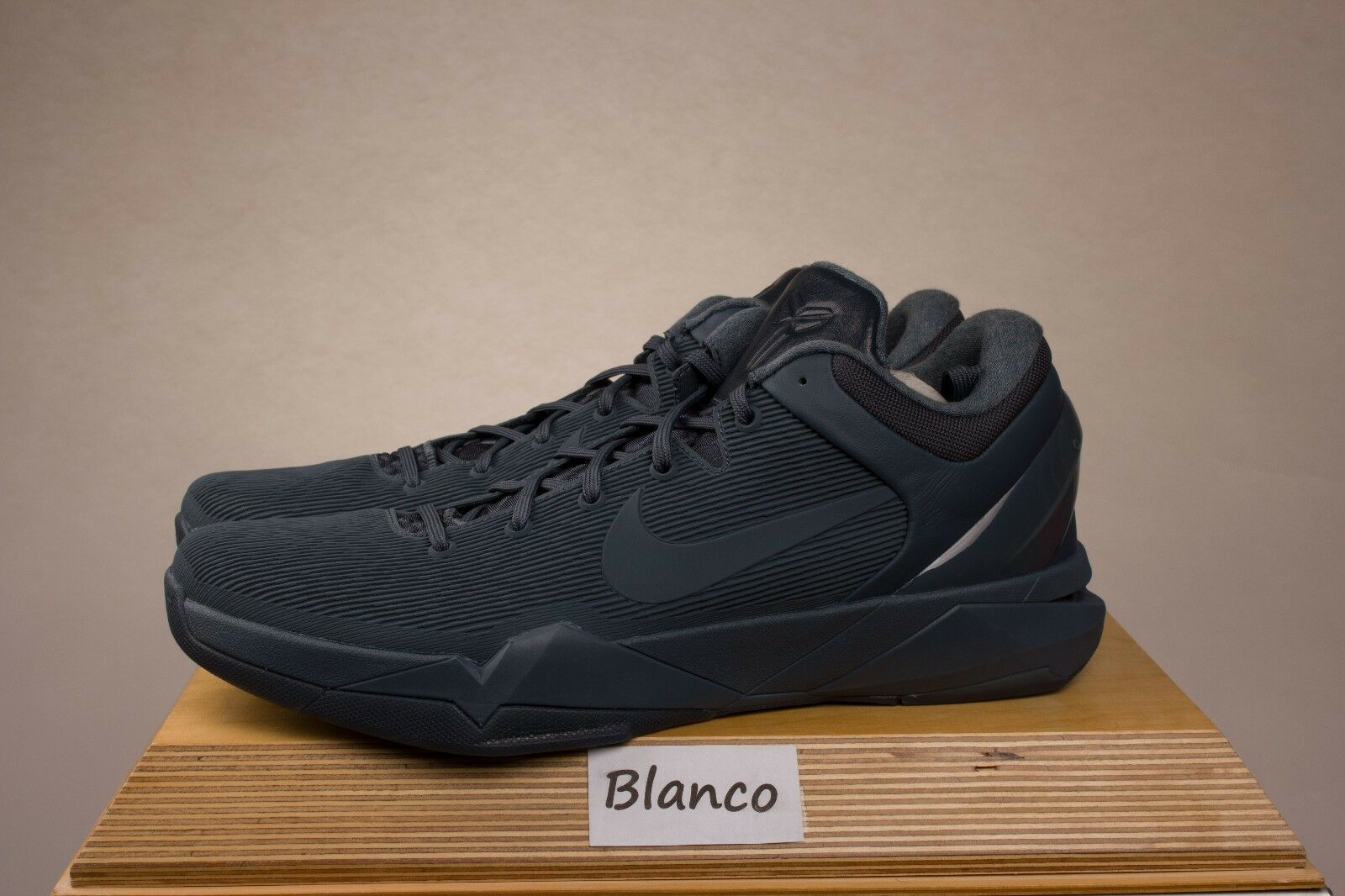bc71048aababd4 Nike US Zoom Kobe VII FTB US Nike 13 13.5 869460-442 Fade To Black 7 ...