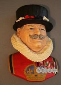 Bosson-Chalkware-Head-Beefeater-w-Original-Tag-Made-in-England