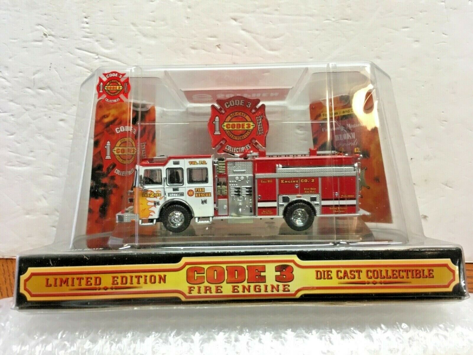Code 3 Sutphen Fire Rescue Pumper Engine-1 Volunteer Fire Dept. 1 64 Scale