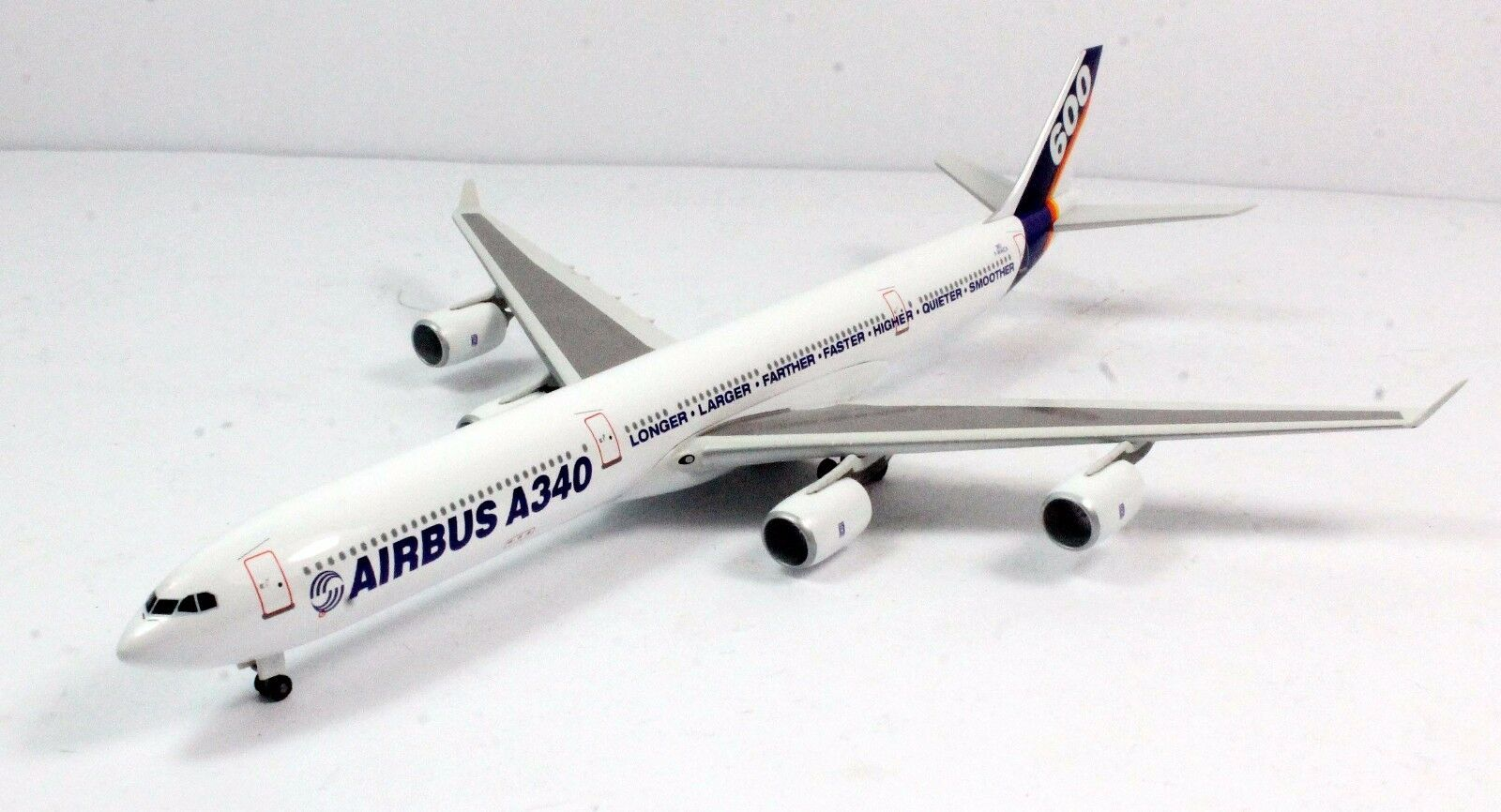 1 400 DRAGON WINGS 55277 A340-600 AIRBUS INDUSTRIE 7R