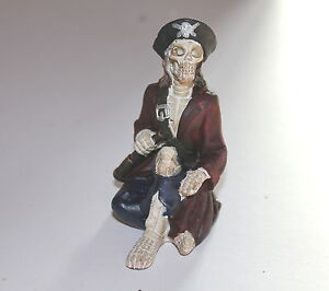 Skeleton-Pirate-Ornament-a-Weird-and-Bizarre-Present-or-Gift-SECRET-SANTA-GIFT