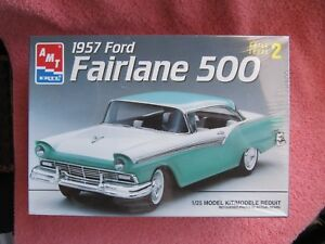 VINTAGE-AMT-1957-FORD-FAIRLANE-500-KIT-8028-NEW-FACTORY-SEALED