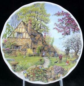 Royal-Albert-DREAM-COTTAGES-Collectible-Plate-Spring-GREAT-CONDITION