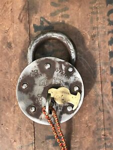 Vintage-Large-Indian-Steel-Padlock-With-Key-Working-Golden-Brass-Escutcheon