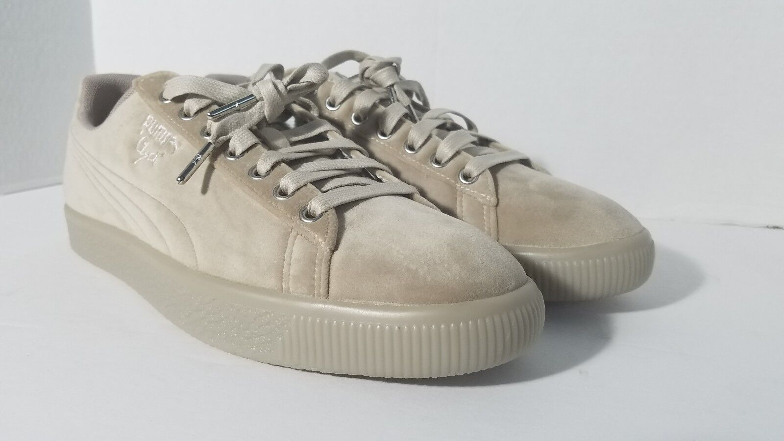 Puma Clyde Suede Classic Mens Sneaker shoes 11 Grey Tan Limited Ed. Brand New