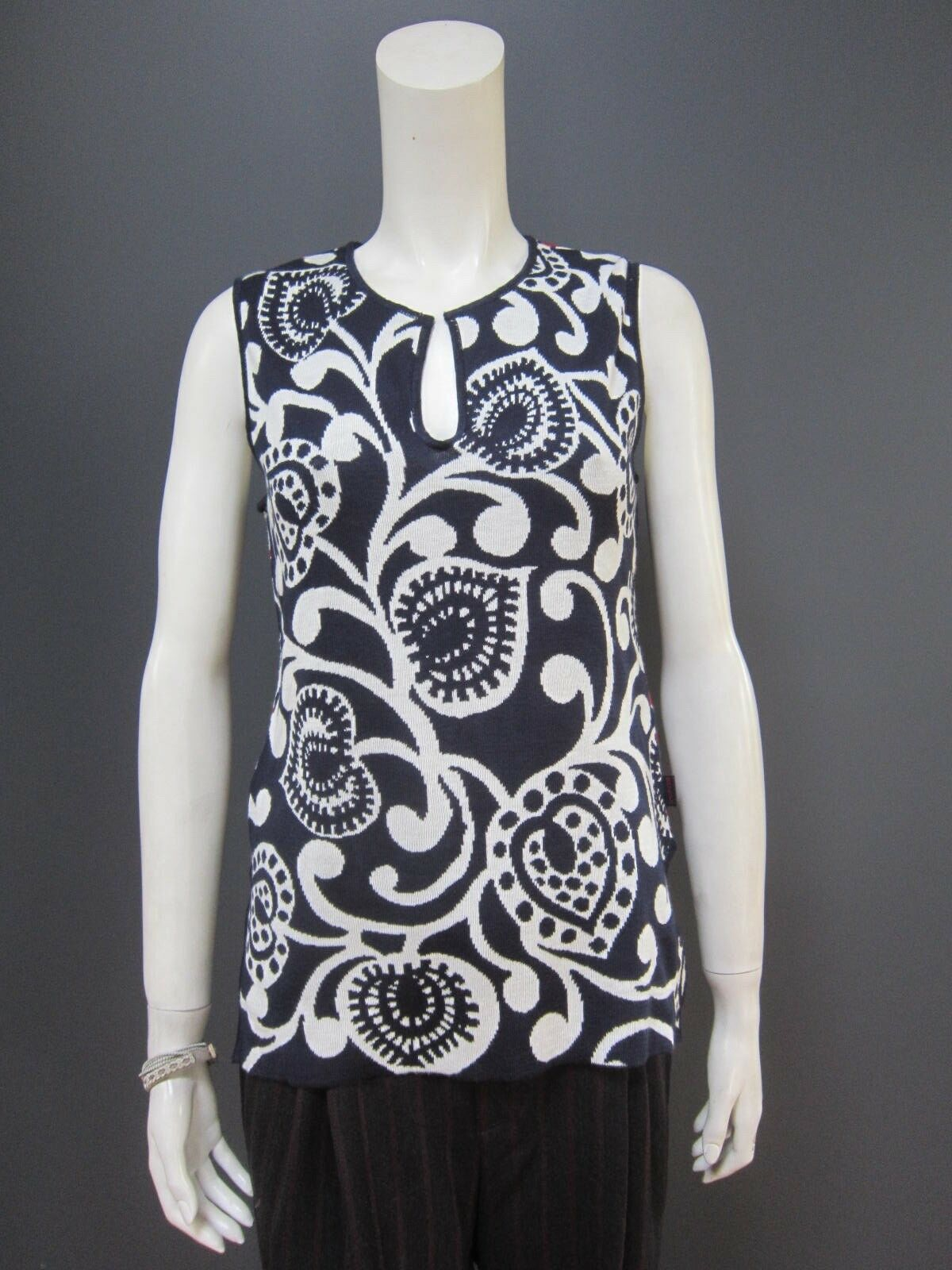 KENZO sleeveless sweater   top NEW with TAG  size L