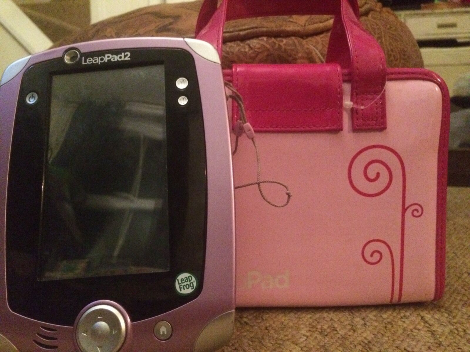 French Leappad 2 with 9 Games, Charger & Carry cases (Leap Pad & 9 Jeu Français)