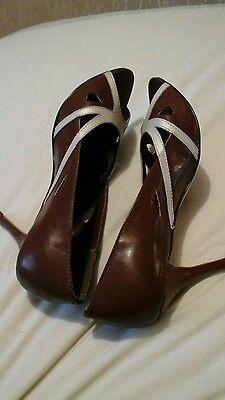 Zapatos señoras talla 8 Totalmente Nueva Crema Marrón