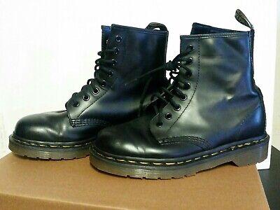 dr martens 1460 vintage black