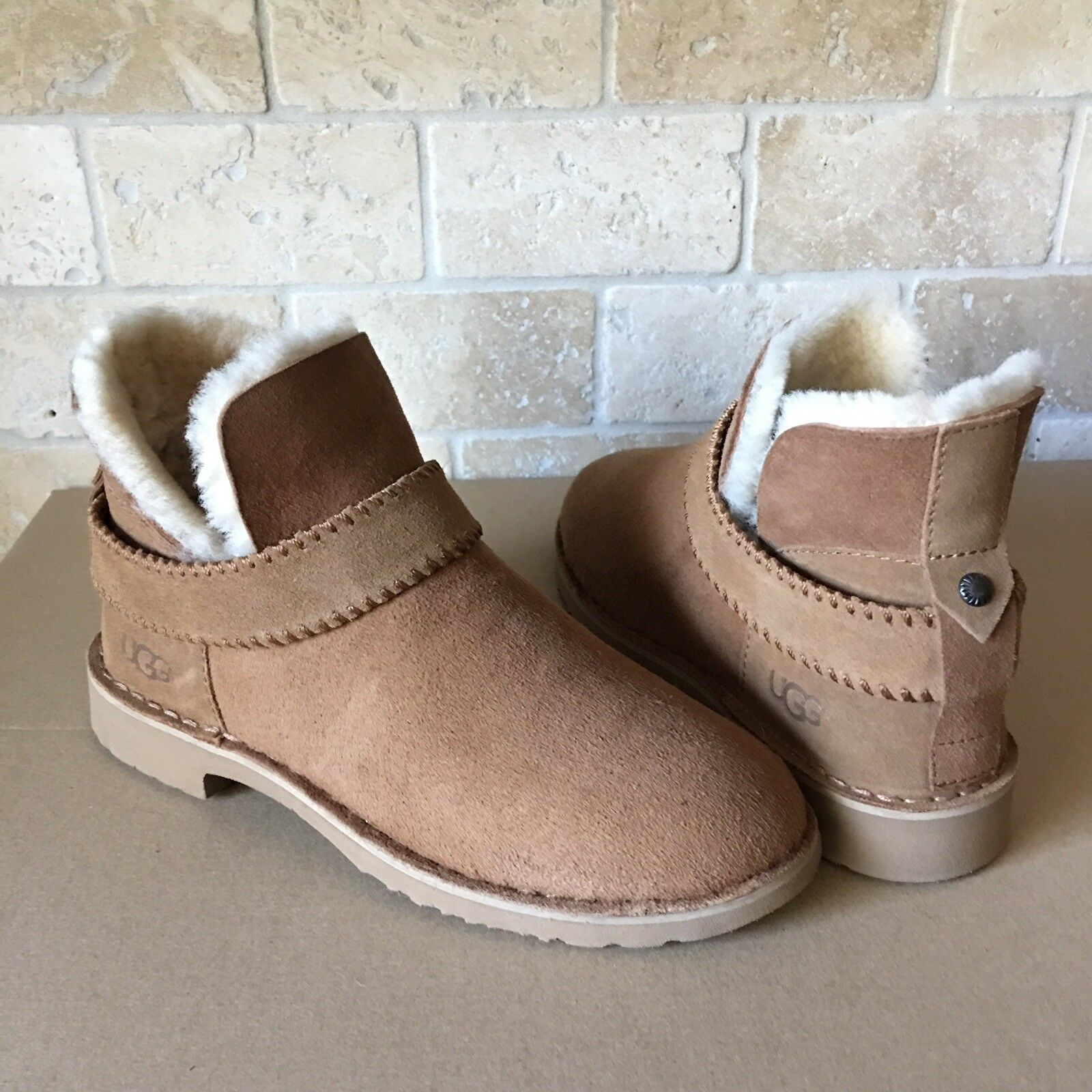 9c9b2e4f7cd UGG Mckay Chestnut Suede Shearling Ankle Shoes Boots Booties Size US 6  Womens