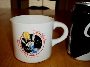NASA-CHALLENGER-SPACE-SHUTTLE-amp-ASTRONAUT-SIGNERS-Ceramic-Coffee-Cup-VINT