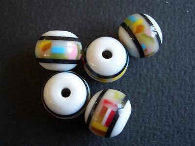 5 Polyester Perlen rund 10mm weiss / bunt trendy 6046