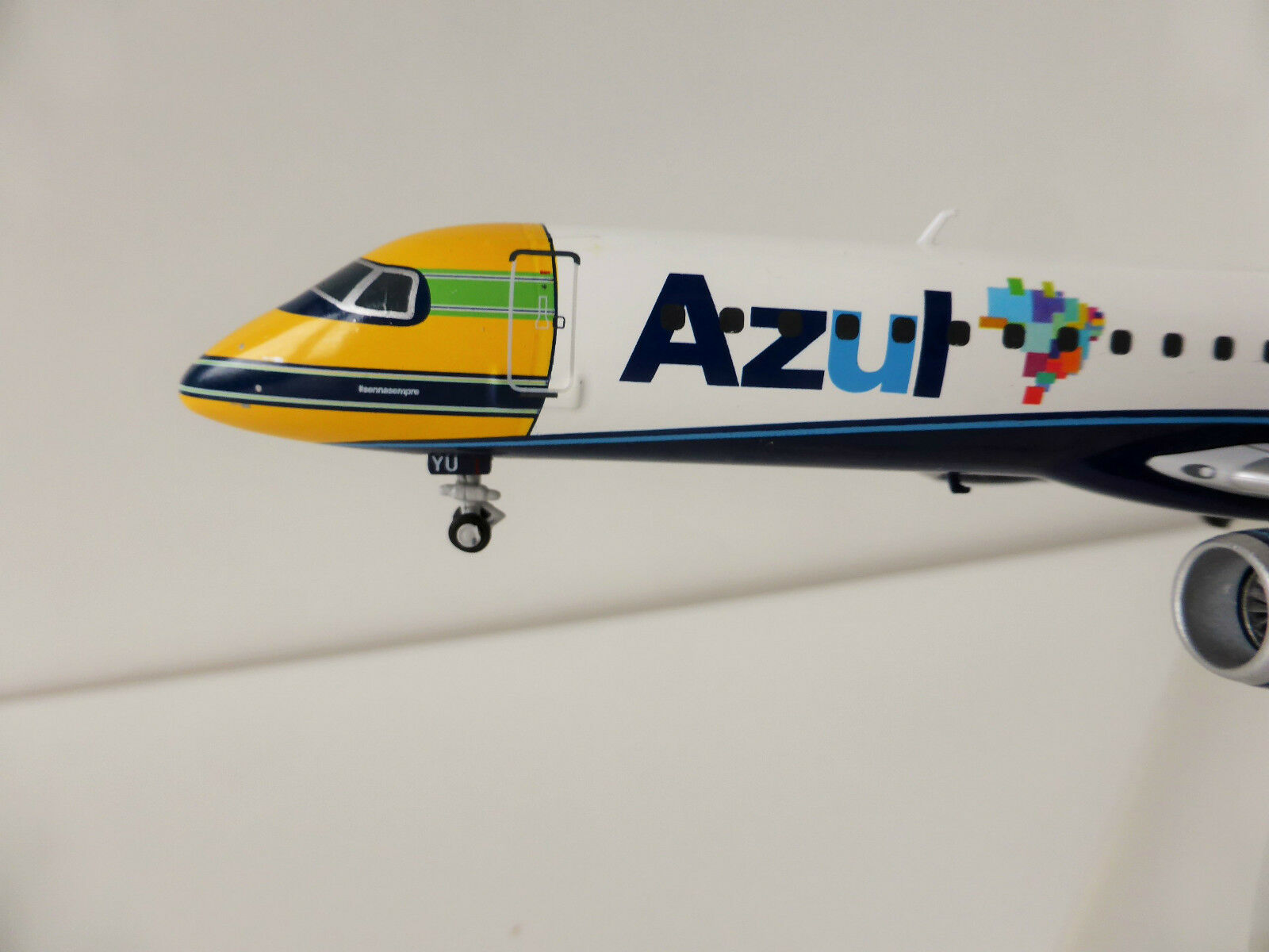 Azul Brasiliano Airlines Ayrton Senna Embraer E195 1/200 Herpa 557030 195