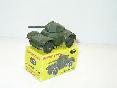 n60 BOITE militaire automitrailleuse 670 repro DINKY
