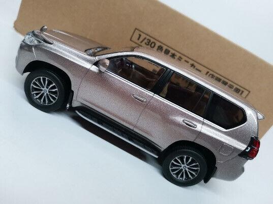 1 30 Toyota Land Cruiser TZ.G Die Cast Model pink gold