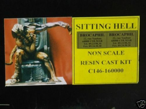 TRES IMPORTANTE FIGURINE   SITTING HELL RESINE A MONTER