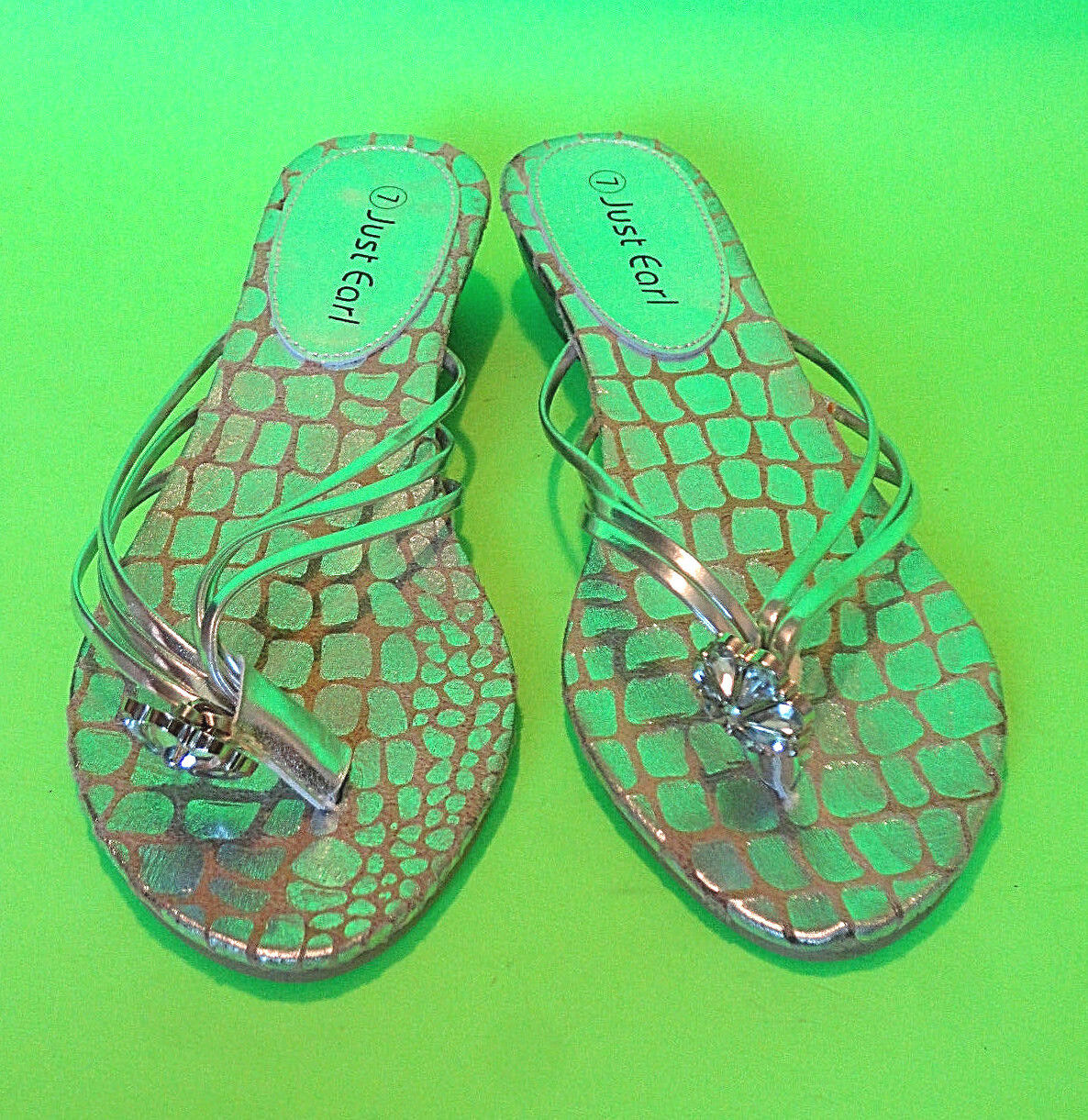 JUST EARL {Size 7} Silver Floral Low Heel Sandals BLING Floral Silver Accent 334dd7