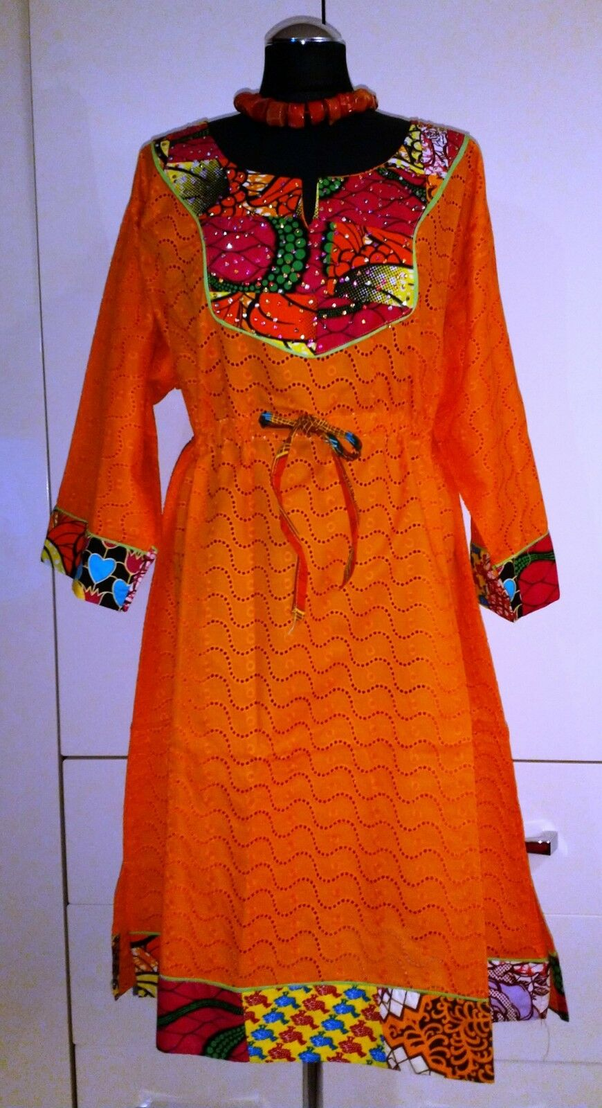 Stunning Traditional African Paper Lace Dress - size ( B24)