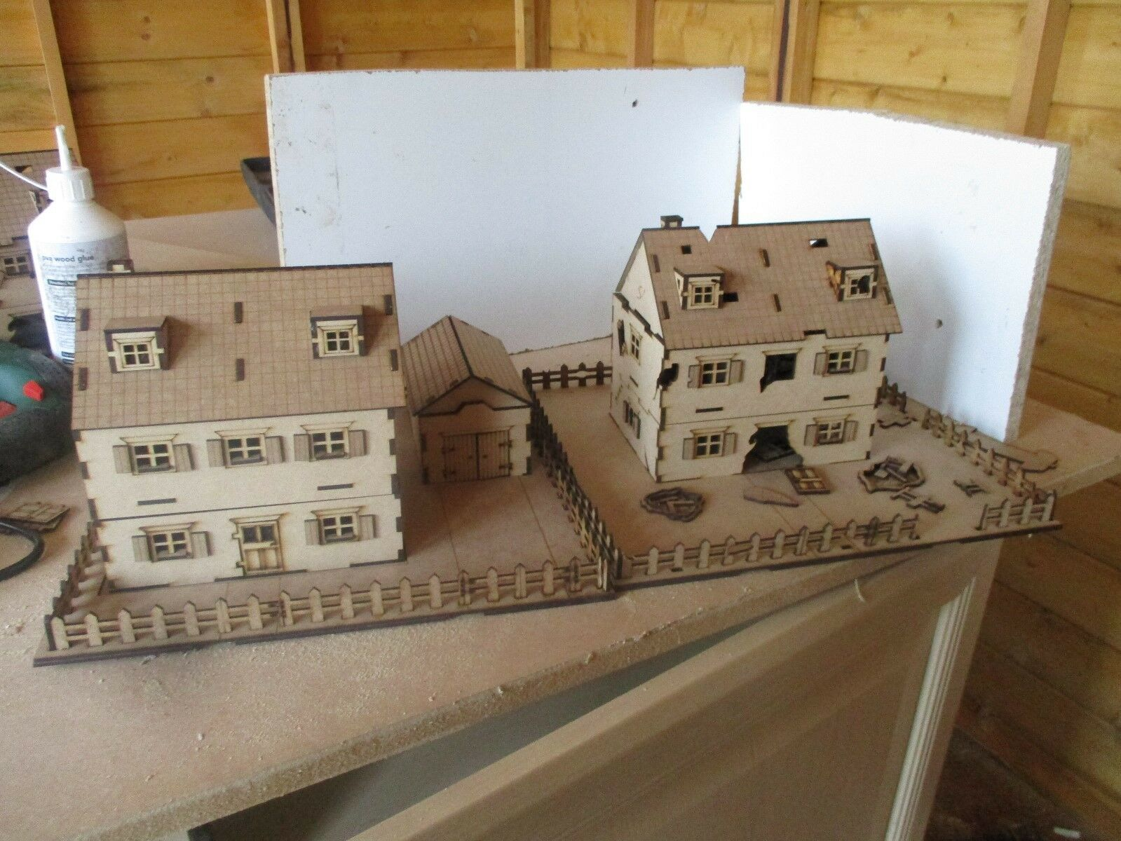 28mm Wargame Scenery 2 Tiles House and Abandoned House Bolt Action (Set A)